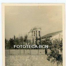 Fotografía antigua: FOTO ORIGINAL VALLDOREIX SANT CUGAT IGLESIA SANT CEBRIA AÑOS 50. Lote 118541875