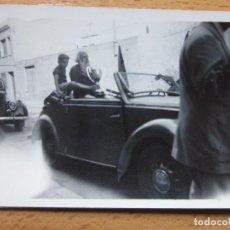 Fotografía antigua: FOTOGRAFÍA. LLEGADA DEL FUTBOL BARCELONA CAMPEONISIMO. COPA. 1952.. Lote 119972999