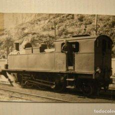 Fotografía antigua: CGFC. COMPAÑIA GENERAL DE FERROCARRILES CATALANES. LOCOMOTORA N º 13 EN EL PUERTO DE BARCELONA. Lote 120263103