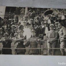 Fotografia antiga: MILITARES DE MARRUECO EN LOS TOROS. Lote 121056367