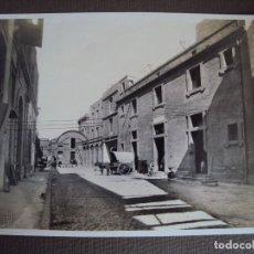 Fotografía antigua: (FOT-180500)FOTOGRAFICA DE BARCELONA - ALMACENES DE POBLE NOU - FOTO BRANGULI. Lote 121355371