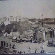 Fotografía antigua: (FOT-180501)FOTOGRAFIA DE BARCELONA - LABORES DE CARGA - BORNE. Lote 121355463
