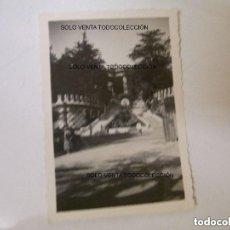 Fotografía antigua: PARK GUELL PARQUE GÜELL ANTONI GAUDÍ FOTO ANTIGUA ORIGINAL AÑO 1934. Lote 121738155