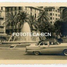 Fotografía antigua: FOTO ORIGINAL PALMA DE MALLORCA PLAZA DE LA REINA COCHE AUTOMOVIL AÑO 1957. Lote 121839963