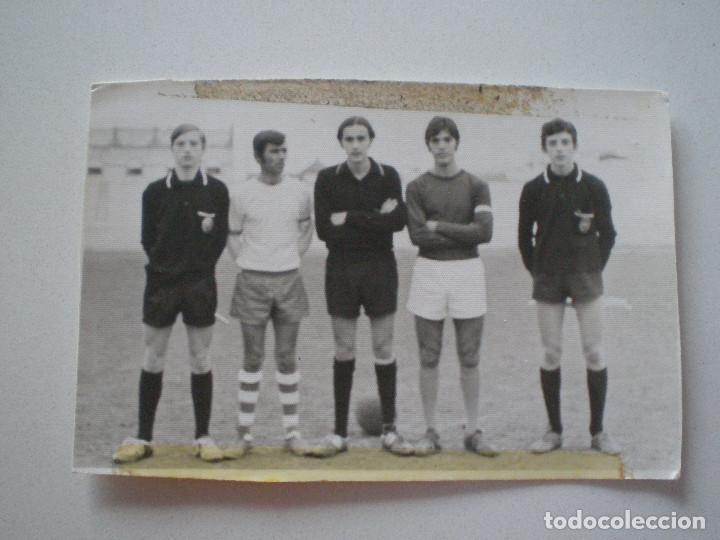 ANTIGUA FOTOGRAFIA MILAGROSA OLIMPIC SEVILLA 1972 JUGADORES DE FUTBOL // EQUIPO COLEGIO INSTITUTO (Fotografía Antigua - Fotomecánica)