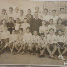 Fotografía antigua: ANTIGUA FOTOGRAFIA DE RECUERDO DE COLEGIO.AÑOS 40?. Lote 123290939