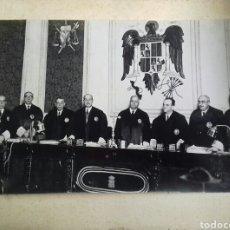 Fotografía antigua: MAGISTRADOS DEL FRANQUISMO. AÑOS 40S. Lote 124037808