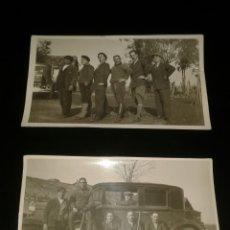 Fotografía antigua: LOTE DOS FOTOGRAFIAS ANTIGUAS PPIOS SIGLO COCHE FORD? VEHICULO EPOCA Y CAZADORES. Lote 124649994