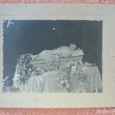 Fotografía antigua: NOVELDA(ALICANTE) FOTO JAIME BELDA.NIÑA POST-MORTEN.HACIA 1910.. Lote 125850279