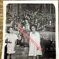 Fotografía antigua: CANTILLANA, SEVILLA, AÑOS 50, BESAMANO A LA DIVINA PASTORA, FOT.OROZCO, 60X80MM. Lote 126485811