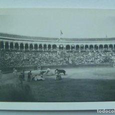 Fotografía antigua: FOTO DE CORRIDA DE TOROS : PICADOR DERRIBADO. Lote 126707735