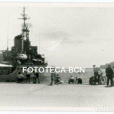 Fotografía antigua: FOTO ORIGINAL CAÑONERO ARMADA ESPAÑOLA BASE NAVAL CARTAGENA BARCO BUQUE DE GUERRA AÑO 1960. Lote 127190075