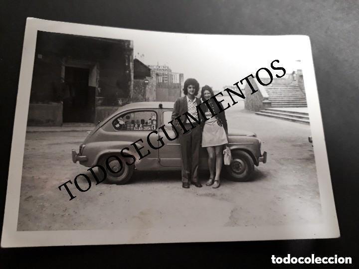 SEAT 600 EN BARCELONA FOTO ANTIGUA ORIGINAL AÑO 1972 (Fotografía Antigua - Fotomecánica)