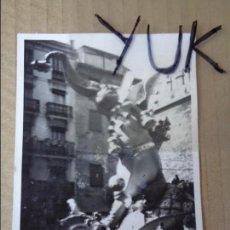 Fotografía antigua: FOTOGRAFIA - FOTO DE LA FALLA DE VALENCIA - DOCTOR COLLADO 1970 - FALLAS. Lote 129009655