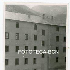 Fotografía antigua: FOTO ORIGINAL VALL DE NURIA EDIFICIO BURRO AÑOS 50/60. Lote 129497959