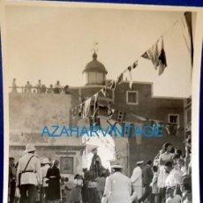 Fotografía antigua: ROTA, CADIZ, AÑOS 60, PROCESION DE LA VIRGEN DEL CARMEN, 75X105MM. Lote 129506651