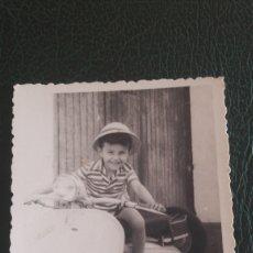 Fotografía antigua: GALICIA FOTO NIÑO MOTO VESPA C 11471 LA CORUÑA. Lote 129684642