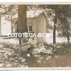 Fotografía antigua: FOTO ORIGINAL RIBES DE FRESER VIAS DEL TREN CASETA FERROCARRIL AÑO 1943. Lote 131083356