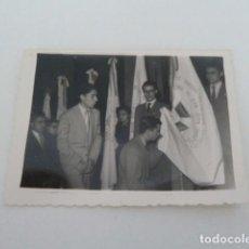 Fotografía antigua: ALBACETE FOTO DE JURA DE BANDERA ACCION CATOLICA FOTOS SEGURA AÑOS 50. Lote 131651326
