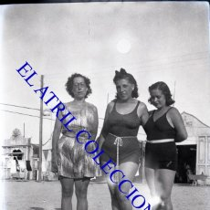 Fotografía antigua: VALENCIA - PLAYA LAS ARENAS - NEGATIVO EN CELULOIDE - AÑOS 1940. Lote 132012650