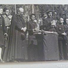 Fotografia antica: FOTO ACTO MILITARES, OBISPO Y FALANGE, FRENTE JUVENTUDES ,1944 . DE BRANGULI, BARCELONA.. Lote 132386478