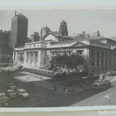 Fotografía antigua: FOTO ORIGINAL DE PRENSA : ESTADOS UNIDOS , BIBLIOTECA PUBLICA DE NUEVA YORK. AÑOS 50 ... 21 X 25 CM. Lote 132903642