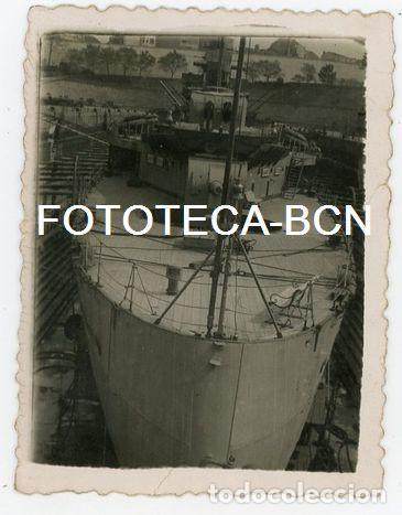 FOTO ORIGINAL CRUCERO ALMIRANTE CERVERA ARMADA ESPAÑOLA EN EL DIQUE TAREAS DE MANTENIMIENTO AÑO 1950 (Fotografía Antigua - Fotomecánica)
