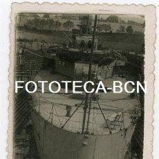 Fotografía antigua: FOTO ORIGINAL CRUCERO ALMIRANTE CERVERA ARMADA ESPAÑOLA EN EL DIQUE TAREAS DE MANTENIMIENTO AÑO 1950. Lote 133307614