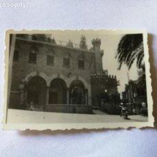 Fotografía antigua: ANTIGUA FOTOGRAFÍA. PALMA DE MALLORCA. PALACIO.FOTO AÑO 1952.. Lote 133815830