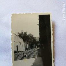 Fotografía antigua: ANTIGUA FOTOGRAFÍA. PALMA DE MALLORCA. JARDÍN DEL PALACIO.FOTO AÑO 1952.. Lote 133815982