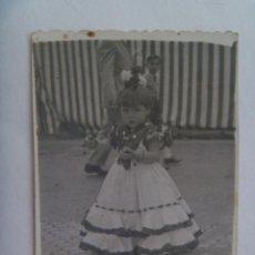 Fotografía antigua: MINUTERO DE FOTOGRAFO DE FERIA : NIÑA VESTIDA DE FLAMENCA , 1955. Lote 134072558