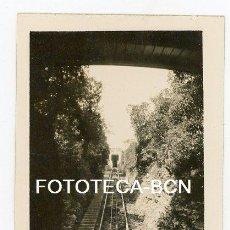 Fotografía antigua: FOTO ORIGINAL MONTSERRAT TREN CREMALLERA AÑOS 30. Lote 135900926