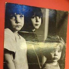 Fotografía antigua: NENS BARRI SANT ANDREU. FOTO ORIGINAL EXPOSICION 1965. SAN ANDRÉS. BARCELONA. 40 X 30 CTMS.. Lote 136172370