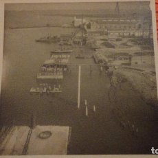 Fotografía antigua: ANTIGUA FOTOGRAFIA.MUELLE.LA CARRACA.SAN FERNANDO.CADIZ 1943. Lote 136396514