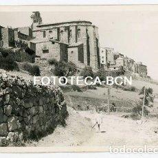 Fotografía antigua: FOTO ORIGINAL HORTA DE SANT JOAN VISTA DE LA IGLESIA TERRA ALTA TARRAGONA AÑO 1958. Lote 136704354