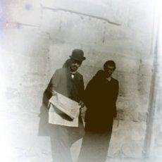Fotografía antigua: PAISANOS. FOTOGRAFÍA EN CRISTAL Y NEGATIVO.. Lote 136926506