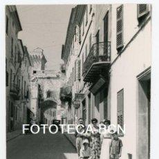 Fotografía antigua - FOTO ORIGINAL MENORCA C SANT ROC AUTOMOVIL CONCESION FORD FARMACIA MASPOCH AÑOS 50 - 137508842