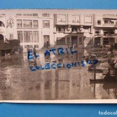 Fotografía antigua: ANTIGUA FOTOGRAFIA VALENCIA - RIADA DE 1957 - FOTO E. UTRILLA - CALLE PINTOR SOROLLA. Lote 137541794