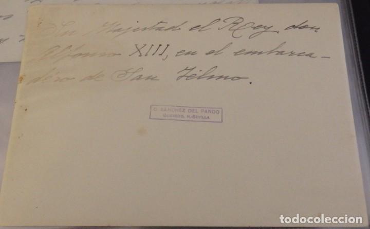 Fotografía antigua: SEVILLA, EL REY ALFONSO XIII EN EL EMBARCADERO DE SAN TELMO, FOT.SANCHEZ DEL PANDO,175X120MM - Foto 2 - 138602170