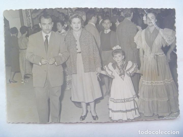 MINUTERO DE FOTOGRAFO DE FERIA : FAMILIA, NIÑAS VESTIDA DE FLAMENCA (Fotografía Antigua - Fotomecánica)