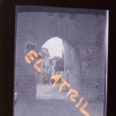 Fotografía antigua: MORELLA, CASTELLON - VISTA - CLICHE NEGATIVO EN CELULOIDE - AÑOS 1940-50. Lote 141305626