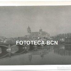 Fotografía antigua: FOTO ORIGINAL SALAMANCA PUENTE SOBRE EL RIO TORMES AÑO 1965. Lote 141704394