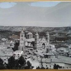 Fotografía antigua: ALCAÑIZ FOTOGRAFÍA COLEGIATA VISTA GENERAL TERUEL 1966. Lote 142321330