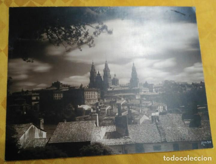 FOTOGRAFÍA FIRMADA A MANO POR - VISTA CATEDRAL DE SANTIAGO - KSADO. BUEN TAMAÑO 38'5 X 29 CM. (Fotografía Antigua - Fotomecánica)