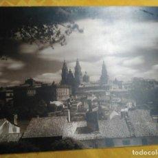 Fotografía antigua: FOTOGRAFÍA FIRMADA A MANO POR - VISTA CATEDRAL DE SANTIAGO - KSADO. BUEN TAMAÑO 38'5 X 29 CM.. Lote 142823078