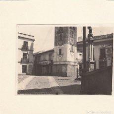 Fotografía antigua: LOTE DE 13 FOTOGRAFIAS DE UN PUEBLO POR IDENTIFICAR.AÑOS 30-40.EN UNA DE ELLAS MILITARES.. Lote 143594802