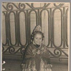 Fotografía antigua: FOTOGRAFIA ORIGINAL FALLERA, FOTO LUNA ,VALENCIA , 17X 11 CM. Lote 144257422
