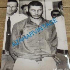 Fotografía antigua: SEVILLA, 1973, DETENCION DEL TOTO, HERMANO DEL LUTE,128X178MM. Lote 144260994
