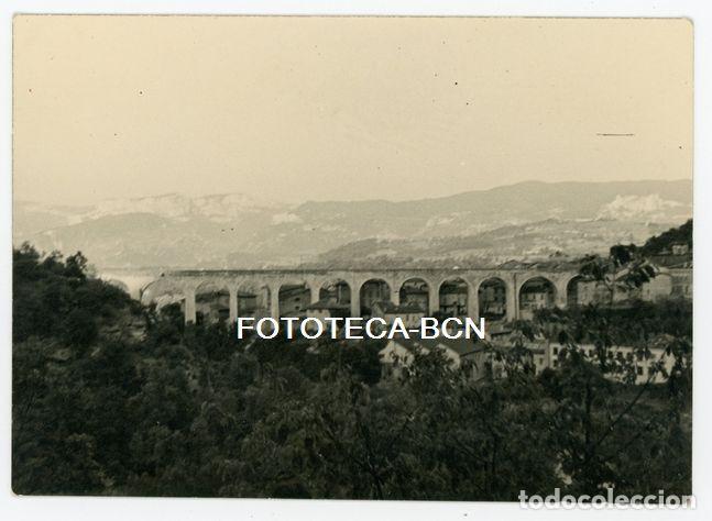 FOTO ORIGINAL LOCALIDAD A IDENTIFICAR PUENTE DE FERROCARRIL POSIBLEMENTE ESPAÑA AÑOS 50/60 (Fotografía Antigua - Fotomecánica)