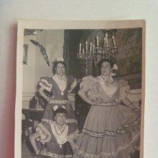Fotografía antigua: MINUTERO DE FOTOGRAFO DE FERIA : SEÑORITAS VESTIDAS DE FLAMENCA. Lote 144953170
